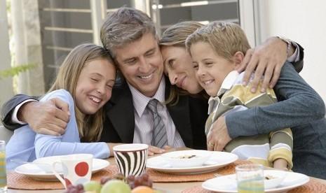 Komunikasi Dalam Keluarga Harmonis di Era Revolusi Industri 4.0